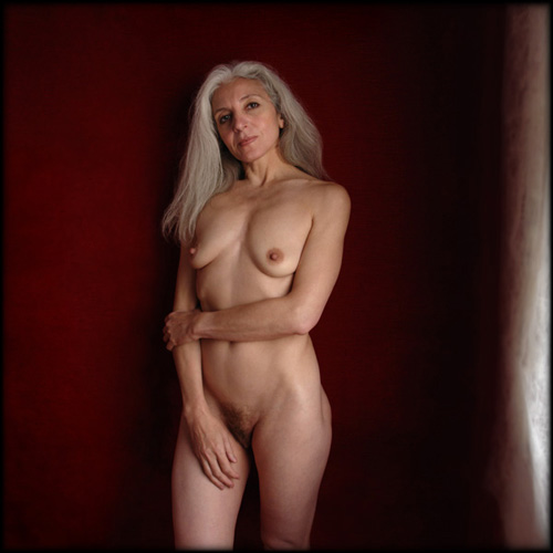 alex,pascal,renoux,photo,nu,âgée,old,seins,nus,cheveux,blancs