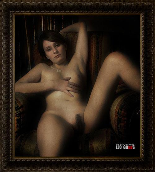 Leo Graas,photo,indécente,nue,assise,jambes écartées,pubis,poils,odalisque