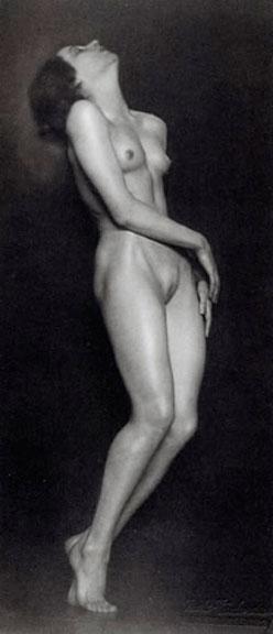 Trude Fleischmann La danseuse Claire Bauroff photographiée par Trude Fleischmann à Vienne, 1925